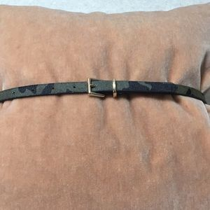BANANA REPUBLIC COWHIDE CAMOUFLAGE BELT